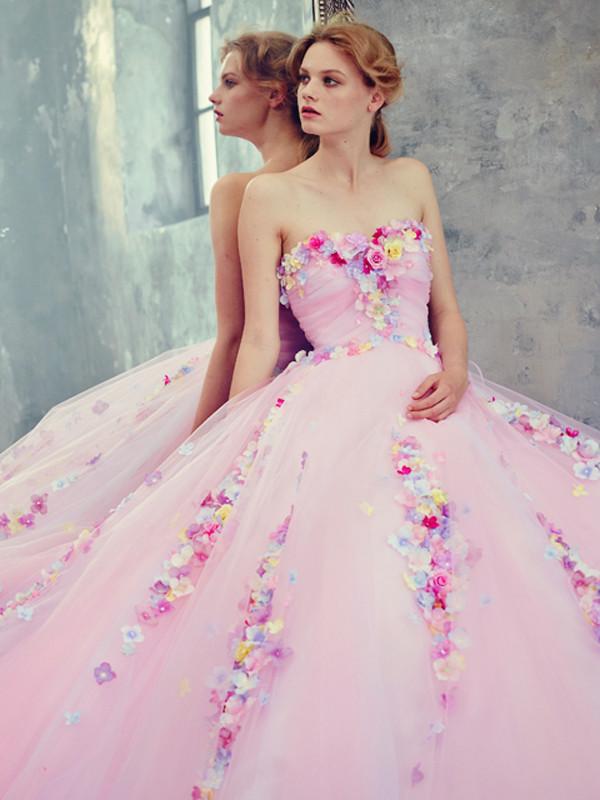Les belles robes    ...    de Yumi Katsura !