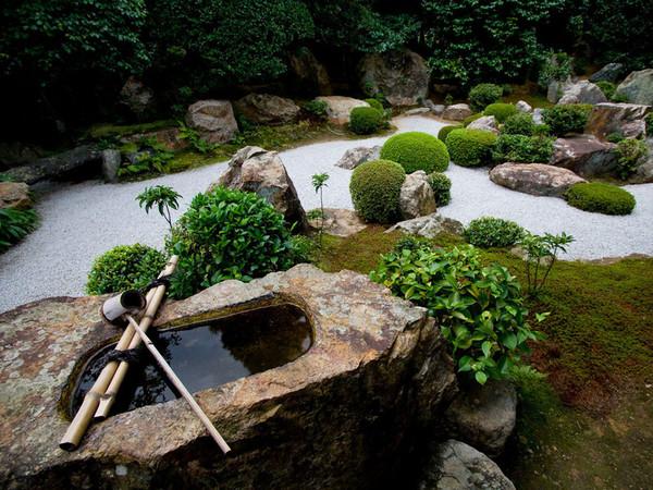 Zen attitude la symbolique du jardin zen for A la verticale du jardin grenoble