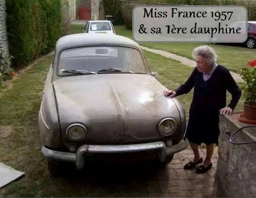 J'ai retrouvé la photo de Miss France   ...  1957  !