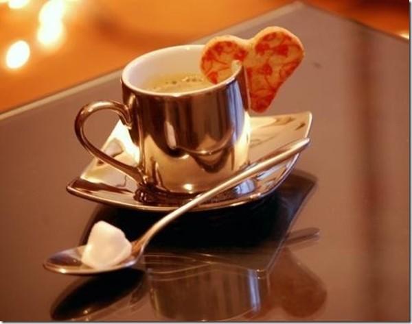 Un petit café ça vous dit   ...   alors venez !