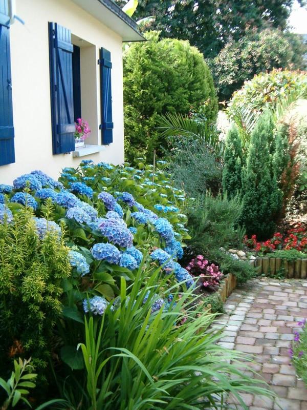 Citations c l bres dans un jardin rempli de fleurs for Un jardin de fleurs