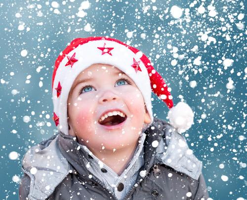 Adorables enfants ... sous la neige !